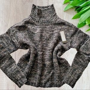 Romeo & Juliet Couture Cropped Knitted Sweater